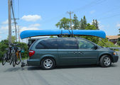 Dodge Caravan Van loaded with kayak and bicycles in Acadia National Park — Stock Photo