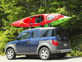 Honda Element minivan loaded with kayaks in Acadia National Park — Stock Photo