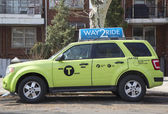 "New green-colored ""Boro taxi"" in Brooklyn — Foto de Stock"