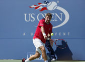 Professional tennis player Stanislas Wawrinka during semifinal match at US Open 2013 against Novak Djokovic — Stok fotoğraf