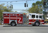 Huntington Manor Fire Department fire truck at the parade in Huntington — Stock Photo