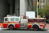 FDNY Engine 205 in Lower Manhattan — Stock Photo