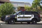 Napa County sheriff's car in Yountville — Stock Photo
