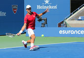 Professional tennis player Novak Djokovic practices for US Open 2013 — 图库照片