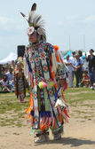 Non identifié jeune danseur amérindien à nyc pow wow à brooklyn — Photo