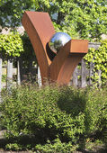 "'Beautiful morning"" statue by artist Richard Starks at public art walk in town of Yountville — Stock Photo"