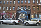 Mural at East Williamsburg neighborhood in Brooklyn — Stock Photo