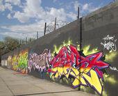 Graffiti wall at East Williamsburg neighborhood in Brooklyn, New York — Stock Photo