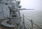 MK-38 25mm chain gun aboard the guided-missile destroyer USS Cole during Fleet Week 2014 — Foto de Stock