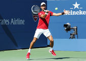 Profesyonel tenis oyuncusu novak djokovic uygulamaları bizim için 2013 açın — Stok fotoğraf