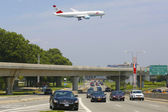 Austrian Airlines Boeing 777 on approach to JFK International Airport in New York — Stock Photo