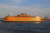 Staten Island Ferry in New York Harbor — Stock Photo