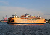 Staten Island Ferry in New York Harbor — Stock fotografie