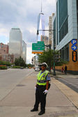 NYPD Traffic Control Police Officer near Freedom Tower in Manhattan — Stock Photo