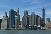 Lower Manhattan skyline with unfinished Freedom Tower and Pier 17 before reconstruction — Stock Photo