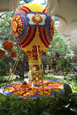 Floral hot air balloon in the atrium of Wynn Hotel and Casino in Las Vegas — Stock Photo