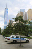 NYPD cars provide security near Freedom Tower in Lower Manhattan — Foto de Stock