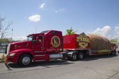 The World's Largest Potato on Wheels presented during The Famous Idaho Potato Tour in Brooklyn — Stock Photo