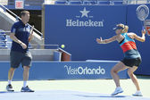 Four times Grand Slam champion Maria Sharapova practices with her coach Sven Groeneveld for US Open 2014 — Stockfoto