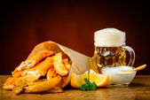 Fish, chips and beer — Zdjęcie stockowe