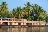 Landscape with reflection houseboat in kerala backwaters, India — Stock Photo