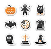 Halloween iconos negros fijó como etiquetas — Vector de stock