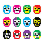 Lucha Libre, luchador pixelated Mexican wrestling masks icons — Stock Vector