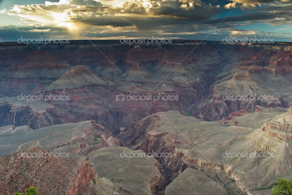 Grand canyon,arizona,USA-august 5,2012:view of grand canyon national park — Stock Photo #12688922