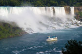Tourboat at niagara falls — Stock Photo