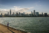 People running in Chicago during sunset — Stock Photo