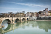 Castel sant'angelo's bridge — Stock Photo