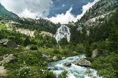 Cachoeira do rio toce, formazza vale - piemonte — Foto Stock