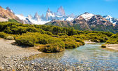 Beautiful landscape with Mt Fitz Roy in Los Glaciares National Park, Patagonia, Argentina, South America — Stock Photo