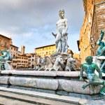 Famous Fountain of Neptune on Piazza della Signoria in Florence, Italy — Stock Photo