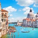 Канал Гранде и базилика ди Санта-Мария делла Салюте, Венеция, Италия — Стоковое фото #24225049