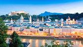 Panoramic view of Salzburg skyline with river Salzach at dusk, Salzburger Land, Austria — Stock Photo
