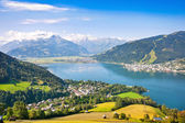 Bela vista de zell estou ver com lago zeller salzburger land, áustria — Foto Stock