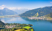 Beautiful view of Zell am See with Zeller Lake in Salzburger Land, Austria — Stock Photo