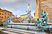 Famosa fonte de neptuno, na piazza della signoria, em florença, itália — Foto Stock