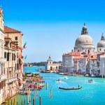 Canal Grande and Basilica di Santa Maria della Salute, Venice, Italy — Stock Photo #24276555