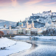 Beautiful view of Salzburg skyline with Festung Hohensalzburg and river Salzach in winter, Salzburger Land, Austria — 图库照片 #26386627