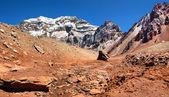 Bergpanorama der aconcagua, der höchste berg in südamerika, wie gesehen von der südseite, mendoza, argentinien — Stockfoto