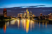 Beautiful view of Frankfurt am Main skyline at dusk, Germany — Stock Photo