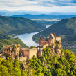 Beautiful landscape with Aggstein castle ruin and Danube river at sunset in Wachau, Austria — Stock Photo #38810019