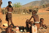 Himba girls in Epupa, Kunene, Kaokoland, Namibia. — Stock Photo