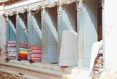 0213 tissu vente boutique dans la vallée de bhaktapur-katmandou-népal. — Photo