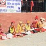 sadhus 教士在玛纳卡玛纳门迪尔-尼泊尔。0346 — 图库照片