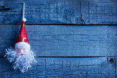 圣诞老人圣诞玩具复古木板背景上 — 图库照片