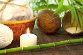 Latte di cocco e bambù spa cosmetici natura morta — Foto Stock