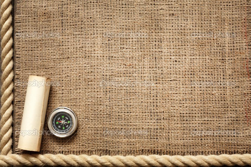 Vecchie tavole in legno e corda con bussola sfondo vintage for Vecchie tavole legno